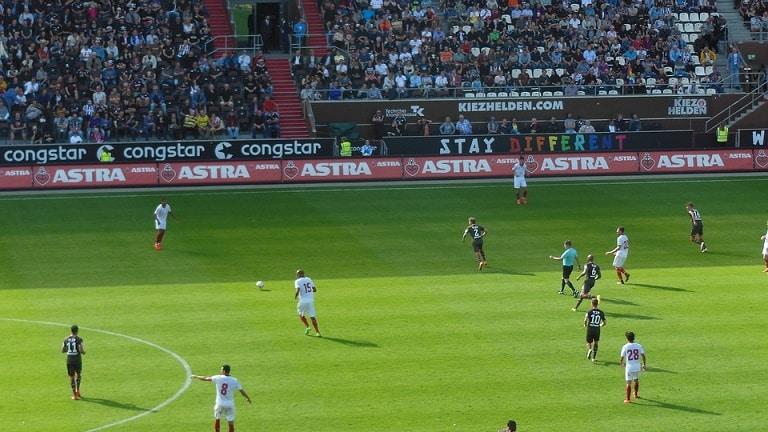 Dinamo Zagrzeb - Legia. Bukmacherzy ocenili szanse zespołów